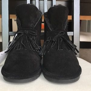 BEAR PAW Christie black suede ankle boot